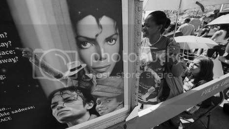 http://i790.photobucket.com/albums/yy183/dimieken1001/michael-jackson.jpg?t=1251810098